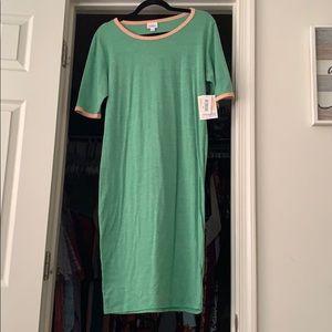 Dresses & Skirts - 🌷LulaRoe Julia NWT